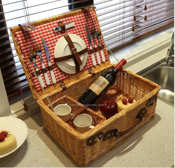 Willow picnic basket sets with knives, spoon, plates