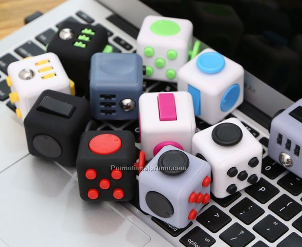 Mini 3.3cm Fidget Cube Vinyl Desk Toy Keychain Squeeze Fun Stress Reliever