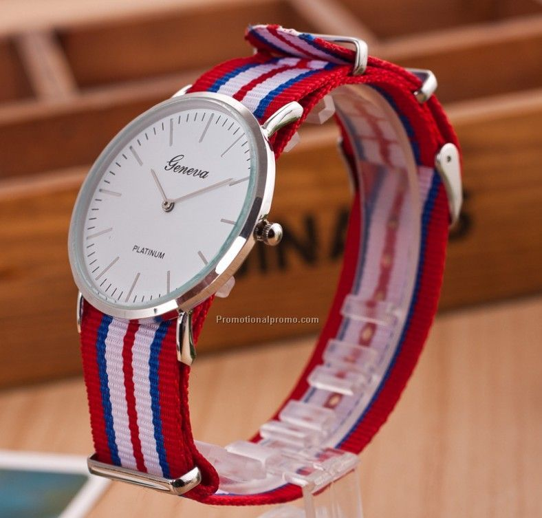 Fashion geneva nylon strap wrist watch